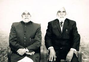 1.2 Prof. Piara Singh Gill & his younger brother Karm Singh Gill - Jagat Pur, India - 1976