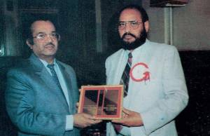 3. Indian Ambassador M.K. Lal presenting Baba Bulhey Shah Award to Ravinder Ravi - Copenhagen, Denmark - 1993 - Pic. by Manjit Parwana(FILEminimizer)