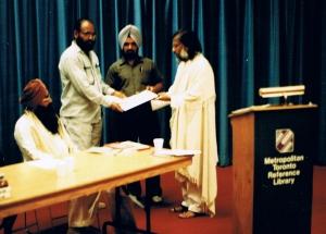9. Hardev, Ravinder Ravi receiving Prof. Mohan Singh Memorial Award, Gurdial Kanwal & Dr. Madan Lal Khurana - Toronto, Canada - 1989